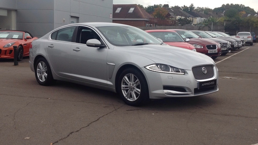 Jaguar XF V6 Luxury Great Value 3.0 Diesel Automatic 4 door Saloon (2012) image