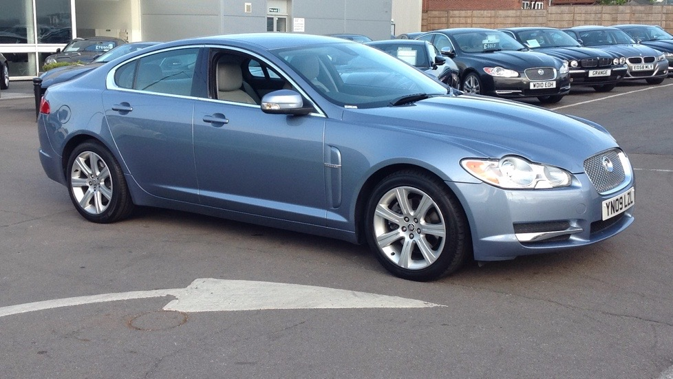 Jaguar XF V6 Luxury Upgraded alloys 3.0 Automatic 4 door Saloon (2009) image