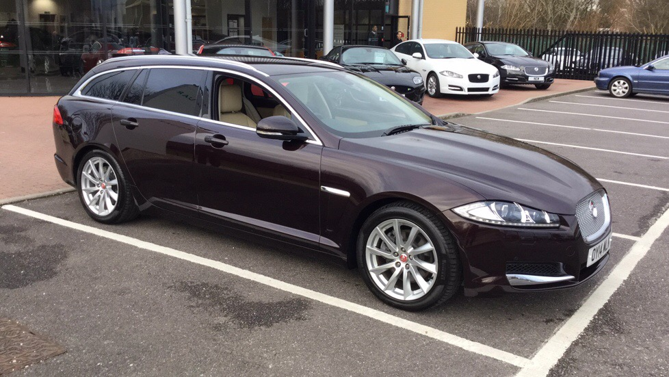 Jaguar XF 3.0d V6 Premium Luxury 5dr Auto Diesel Automatic 4 door Estate (2014) image