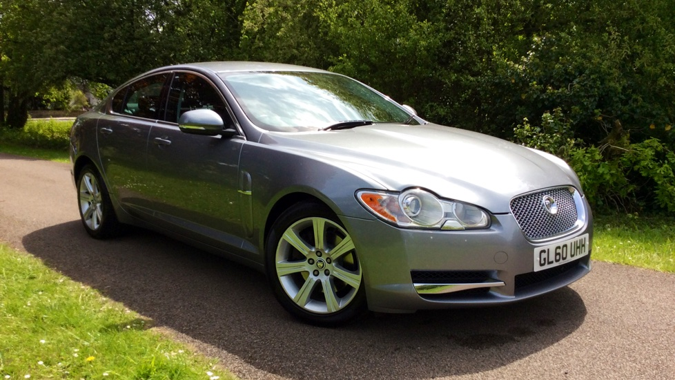 Jaguar XF 3.0d V6 Luxury Diesel Automatic 4 door Saloon (2010 MY) image