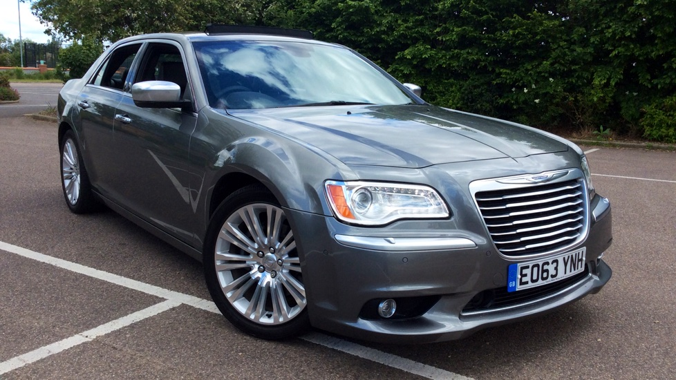 Chrysler 300C 3.0 V6 CRD Executive Diesel Automatic 4 door Saloon (2013) image