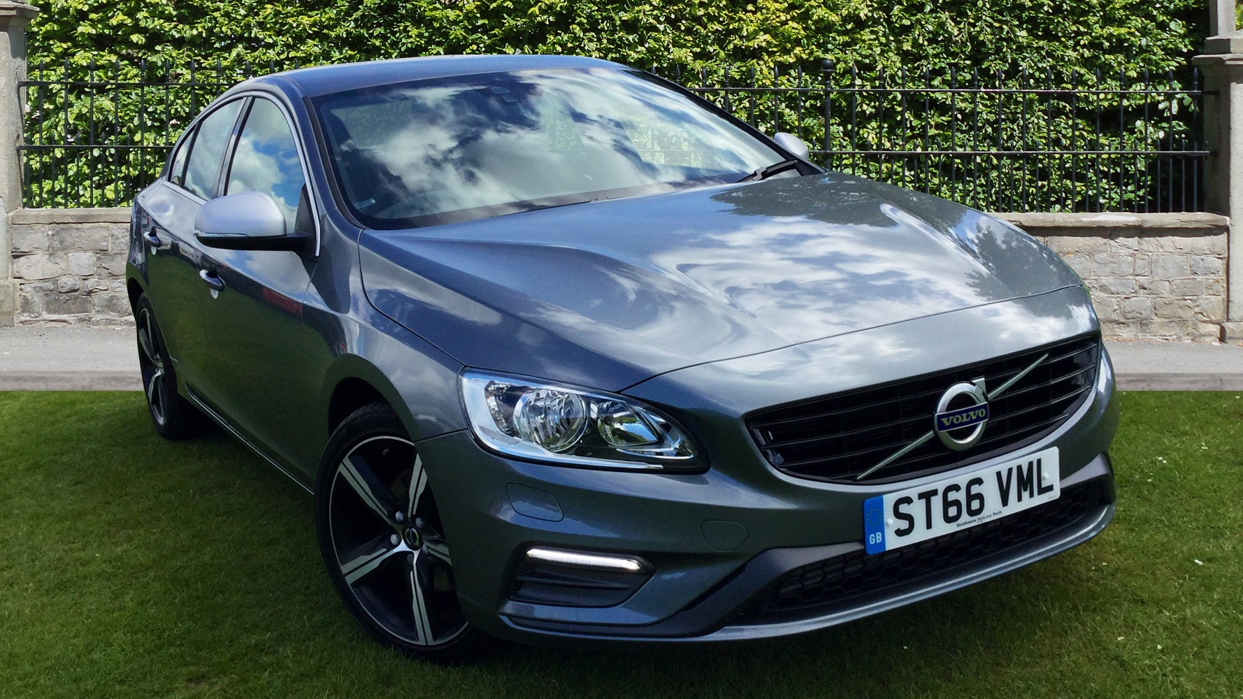volvo s60 d3 150 r design nav demonstration car by strathmore perth. Black Bedroom Furniture Sets. Home Design Ideas