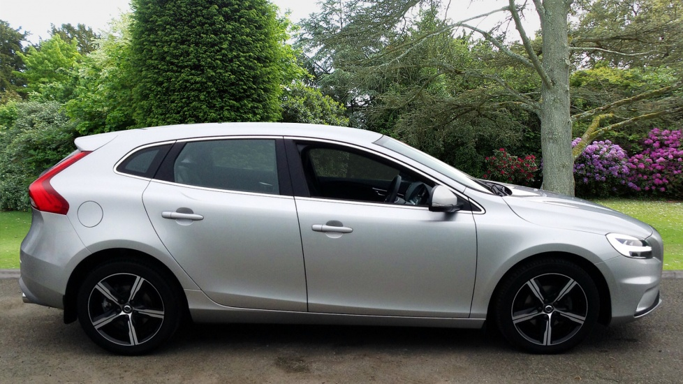 Volvo V40 D2 R-Design 2.0D Manual, Bluetooth, DAB Radio