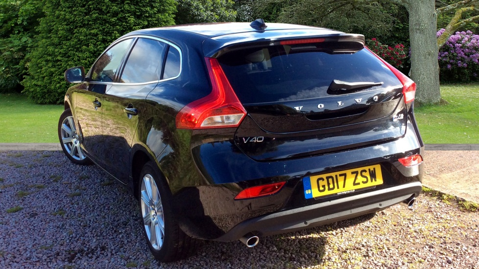 Volvo V40 D4 Inscription Manual and Winter Pack With 0% APR Available, 2 services for £199