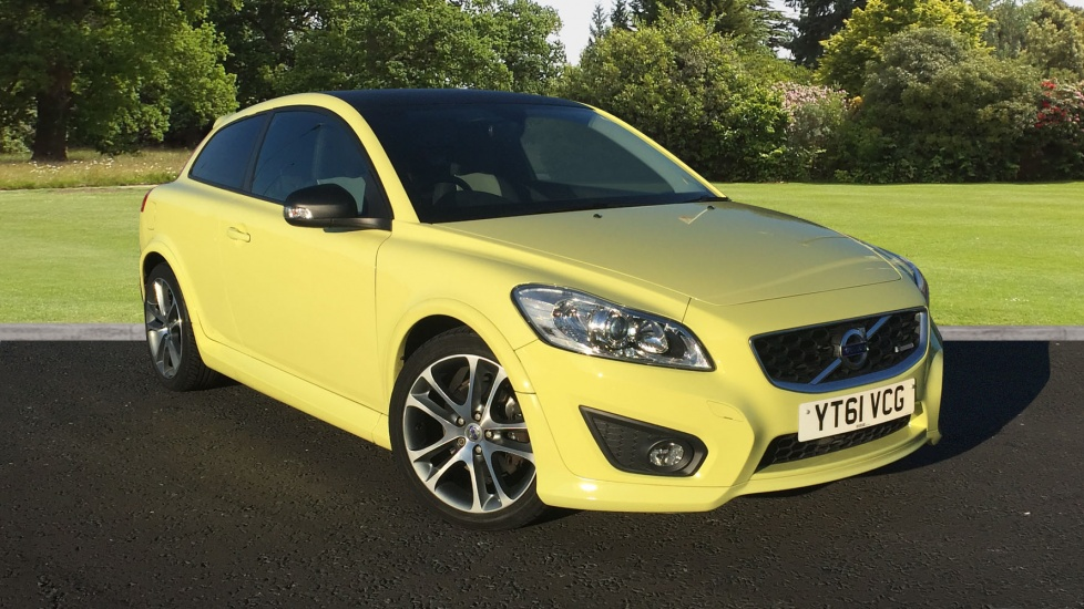 Approved Used C30 R-DESIGN D3 18inch Atreus Alloys,Heated Seats,Black Roof | Volvo Selekt Used Cars