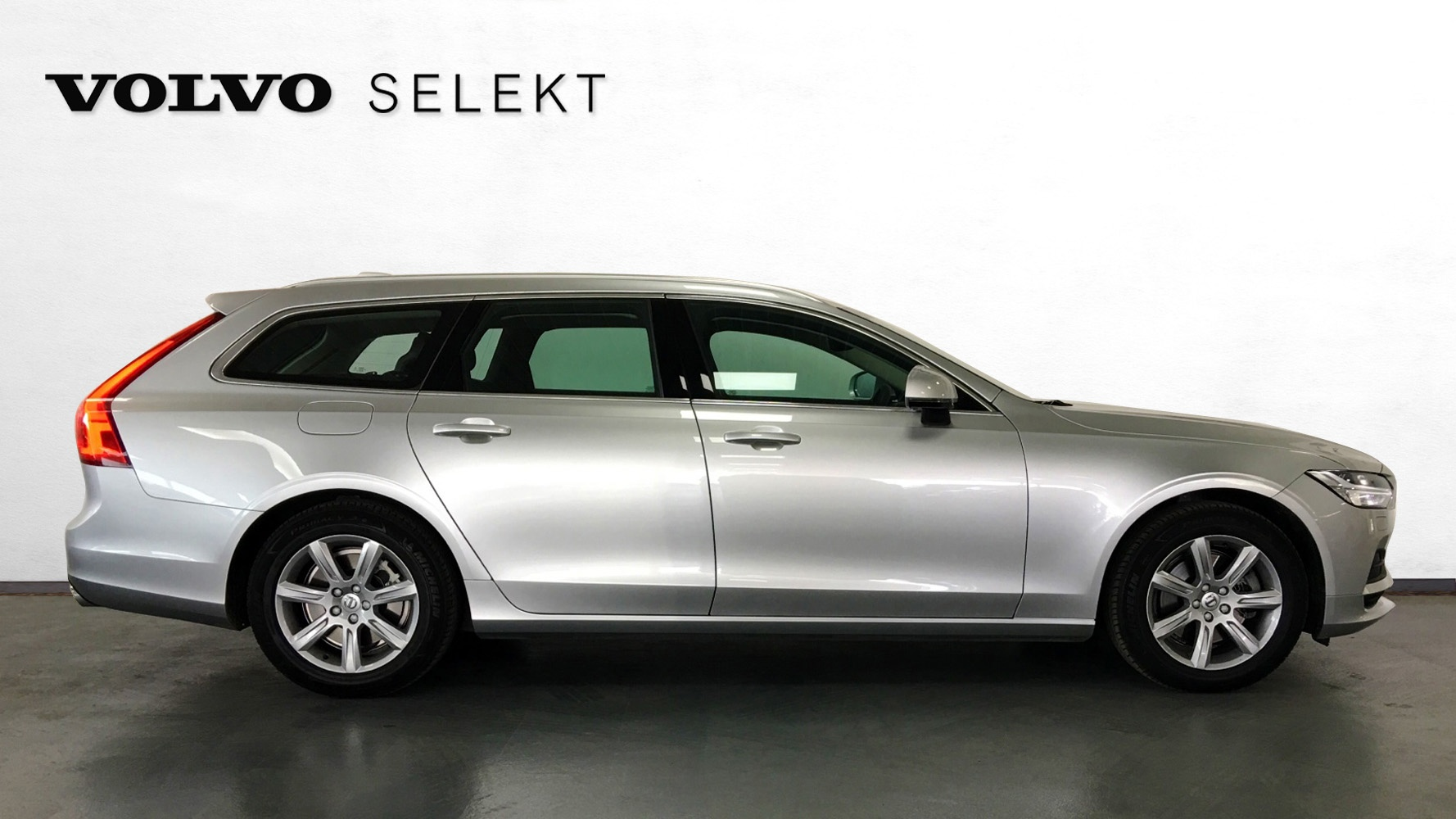 100 volvo selekt volvo xc60 d5 215 bhp se lux nav with panoramic sunroof volvo harrie. Black Bedroom Furniture Sets. Home Design Ideas