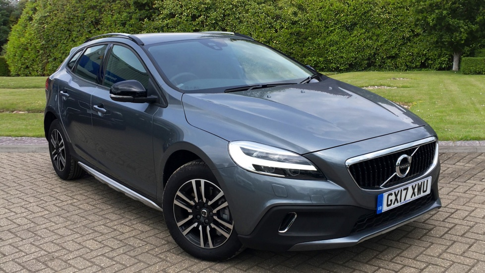 volvo v40 d3 4 cyl 150 cross country nav plus 5dr manual with rear camera leather winter. Black Bedroom Furniture Sets. Home Design Ideas