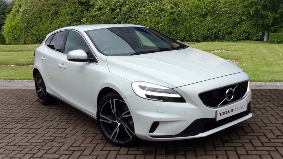 Volvo V40 T2 [122] R DESIGN Pro Nav Auto with Intellisafe Pro Pk, Winter Plus Pack & Tempa Spare 1.5 Automatic 5 door Hatchback (2016) image