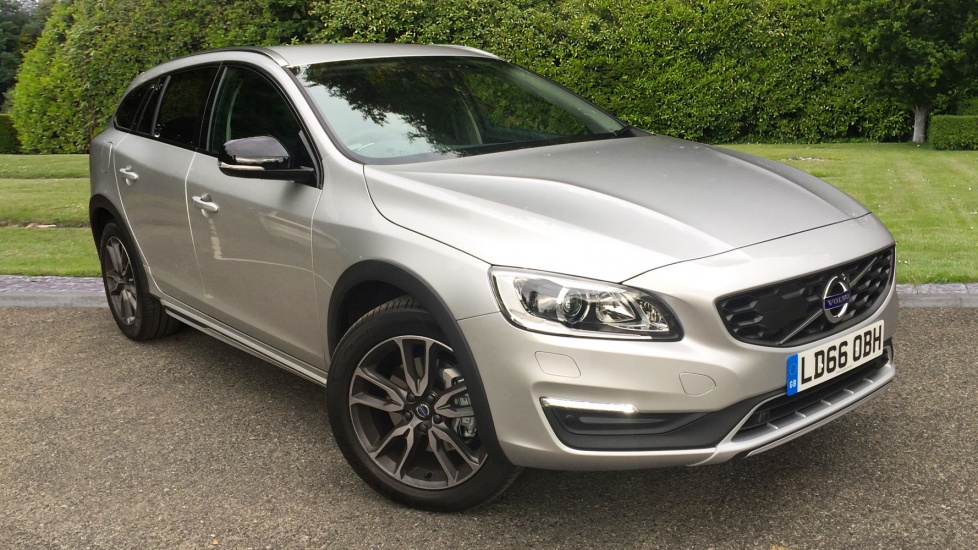 Volvo V60 D4 [190] Cross Country Lux Nav 5dr Auto with Family Pack, Winter Pack & Rear Parking Camera 2.0 Diesel Automatic Estate (2017) image