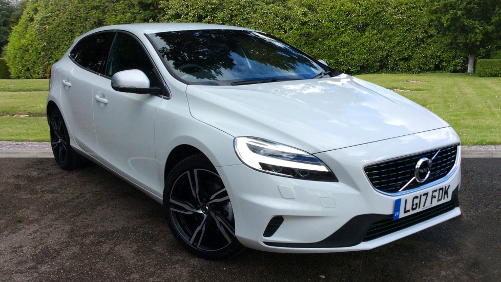 Volvo V40 Facelift Model  T2 120hp Petrol R-Design Pro Nav with Winter Pk, Full Leather, and Privacy Glass 2.0 5 door Hatchback (2017) image