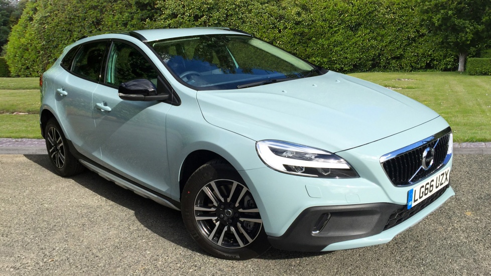 Volvo V40 D2 [120] Cross Country Nav Plus 5dr Auto with Winter Pack & Bluetooth 2.0 Diesel Automatic Hatchback (2017) image