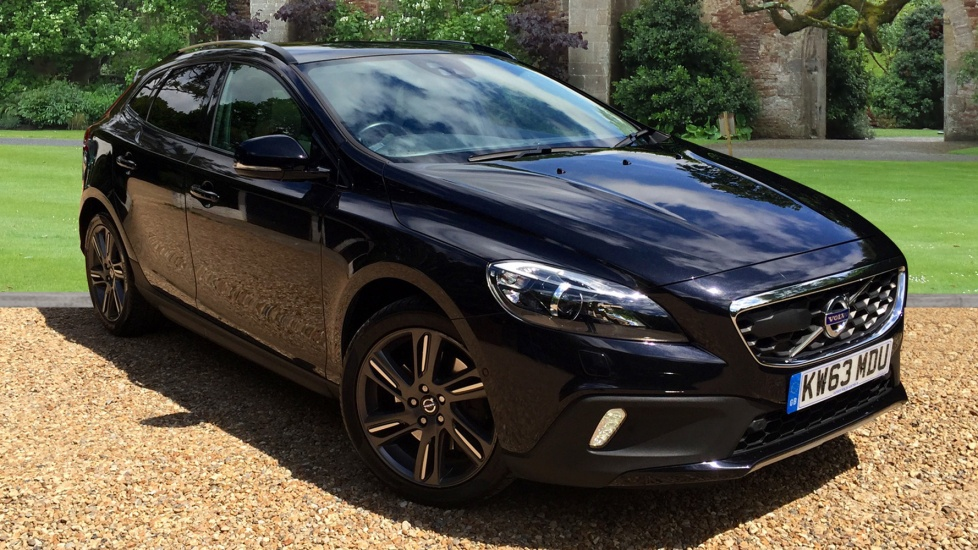 Volvo V40 T5 AWD Cross Country Lux Nav Geartronic with Driver Support & Xenium Packs 2.5 Automatic 5 door Hatchback (2013) image