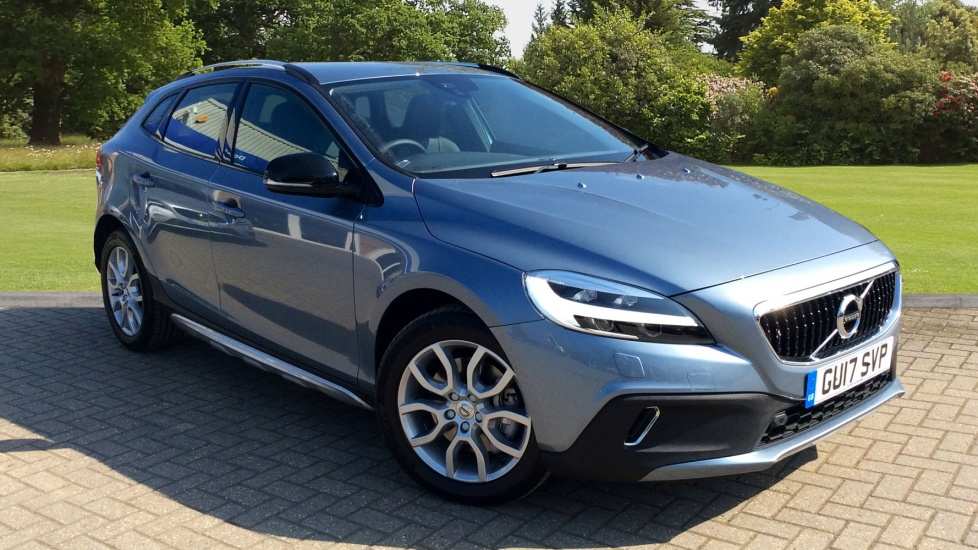 Volvo V40 Cross Country D2 Pro Geartronic 2.0 Diesel Automatic 5 door Hatchback (2017) image