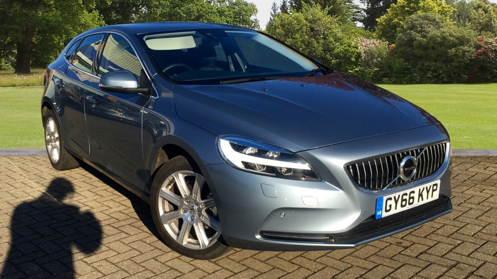 volvo v40 d2 inscription 5dr 2 0 diesel hatchback 2016 gy66kyp in stock used volvo v40. Black Bedroom Furniture Sets. Home Design Ideas