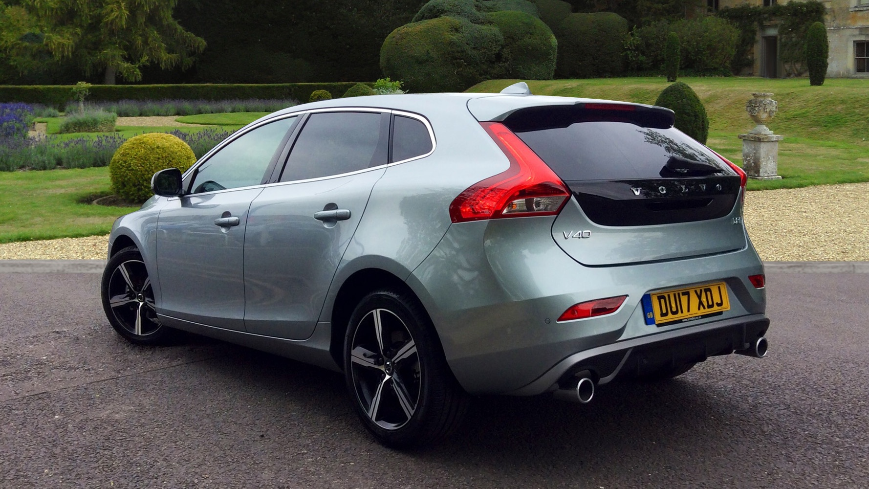 volvo v40 d2 120 r design nav plus manual 0 finance available on this vehicle used. Black Bedroom Furniture Sets. Home Design Ideas