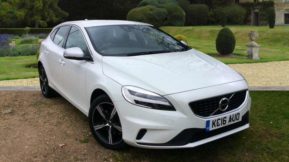 approved used v40 2017 model r design t2 122 2 0 petrol delivery mileage bargain volvo. Black Bedroom Furniture Sets. Home Design Ideas