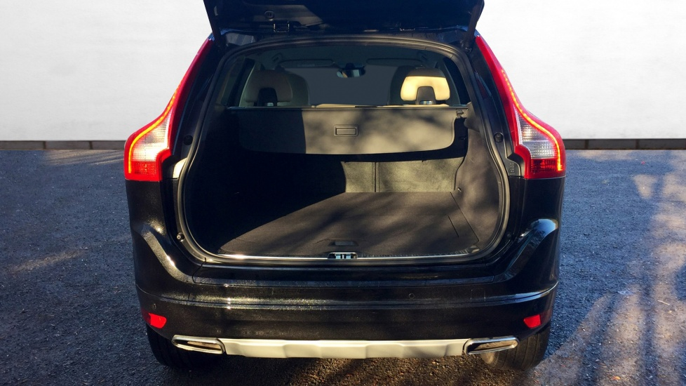 Approved Used Xc60 D5 220 Bhp Se Lux Nav Manual Winter
