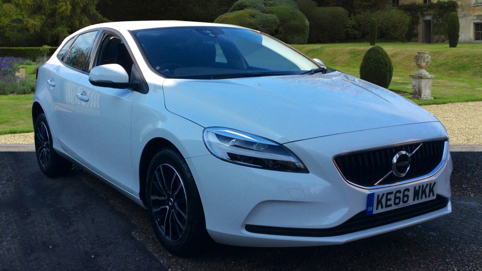 volvo v40 d2 120 momentum manual used vehicle by volvo cars east london chigwell. Black Bedroom Furniture Sets. Home Design Ideas