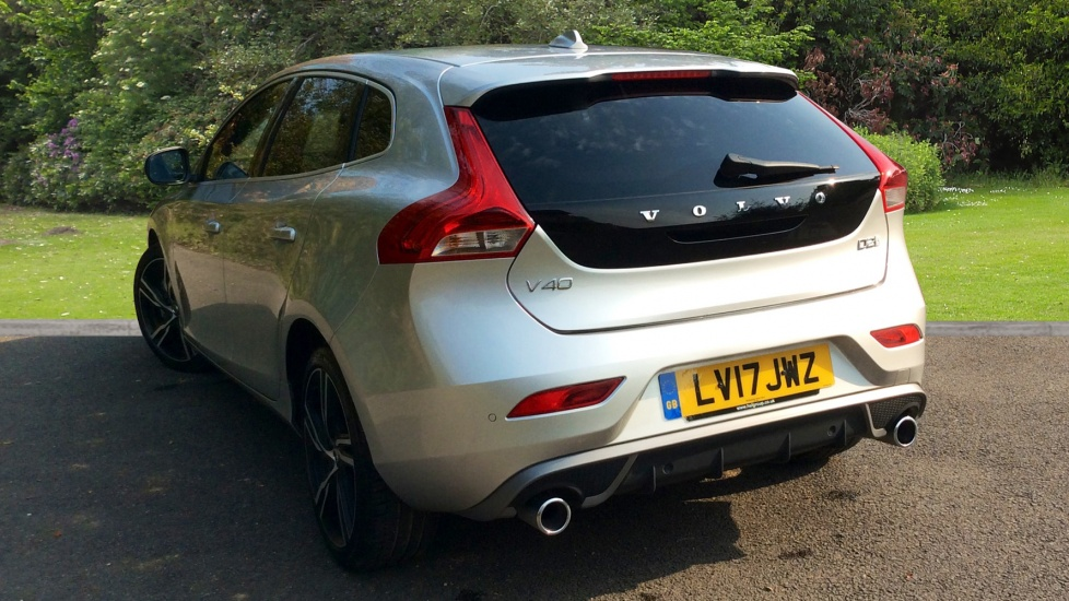 Volvo V40 D2 R-Design Pro Automatic + WINTER PACK