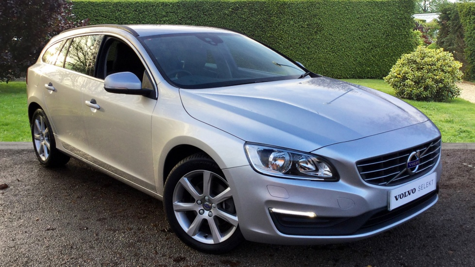 Volvo V60 D4 181 SE Nav Auto with Senus Navigation and Rear Park Assist 2.0 Diesel Automatic 5 door Estate (2015) image