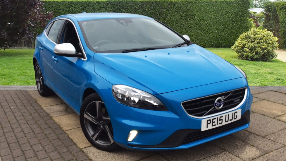 Volvo V40 D2 R DESIGN with DAB and 17 inch Ixion Alloys 1.6 Diesel 5 door Hatchback (2015) image
