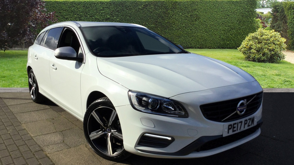 Volvo V60 D3 [150] R DESIGN Lux Nav Geartronic with Sensus Nav and Power Drivers Seat 2.0 Diesel Automatic 5 door Estate (2017) image