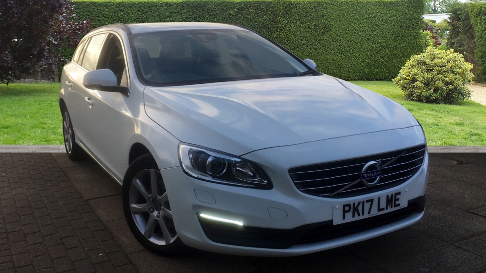 Volvo V60 D4 [190] SE Nav 5dr Geartronic with Winter Pack and Active Bending Headlights 2.0 Diesel Automatic Estate (2017) image