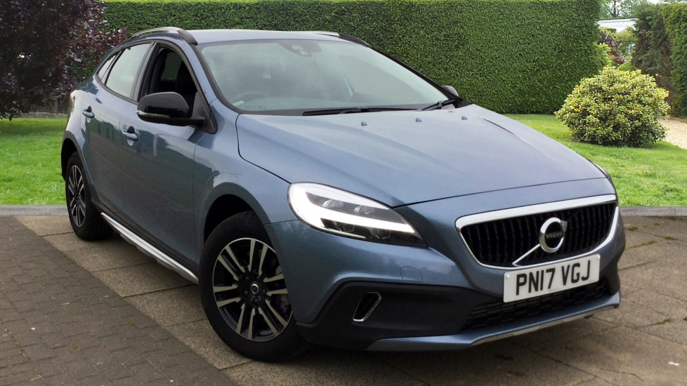 Volvo V40 D3 [4 Cyl 150] Cross Country Nav Plus G/T Sat Nav and Cruise 2.0 Diesel Automatic 5 door Hatchback (2017) image
