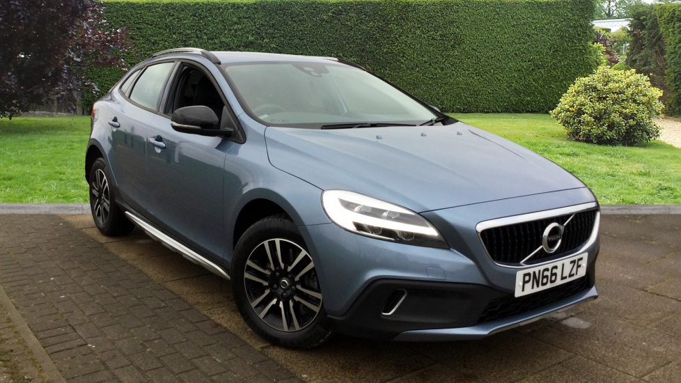 Volvo V40 Cross Country T3 with Rear Park Assist and Bluetooth 1.5 5 door Hatchback (2016+) image