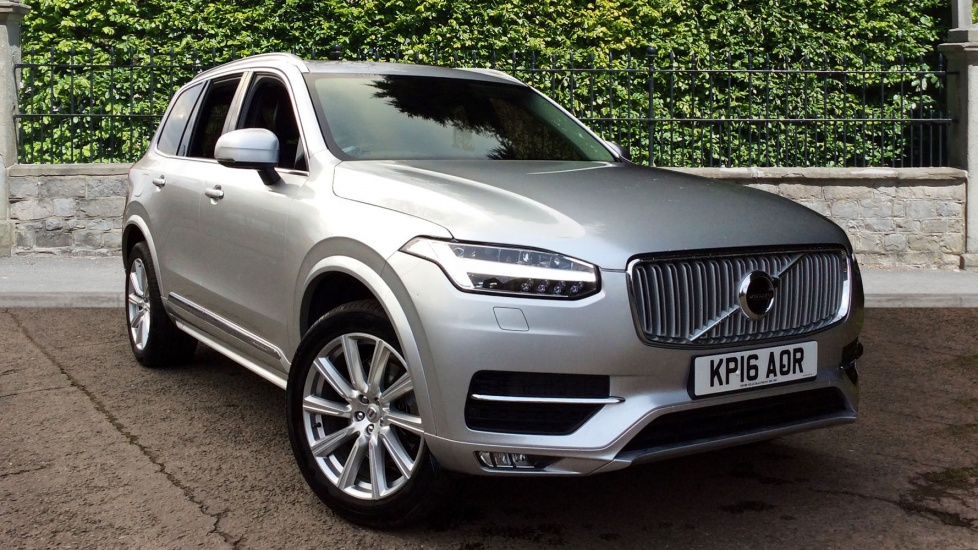 Volvo XC90 2.0 D5 Inscription 5dr AWD Geartronic with Winter Pack Diesel Automatic Estate (2016) image