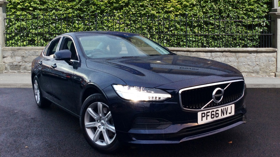 Volvo S90 2.0 D4 Momentum 4dr Geartronic with Winter Pack Diesel Automatic Saloon (2016`) image