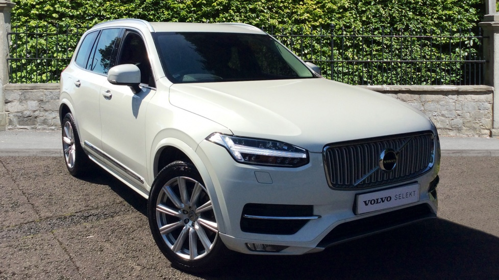 Volvo XC90 2.0 D5 Inscription 5dr AWD Geartronic with Winter Pack, Sensus NAV and Park Assist Diesel Automatic 4x4 (2015) image