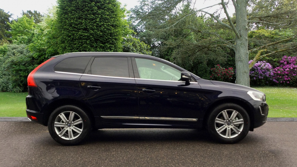 Approved Used Xc60 D4 Se Lux Nav With Winter And Family Pack And Park Assist Camera Volvo
