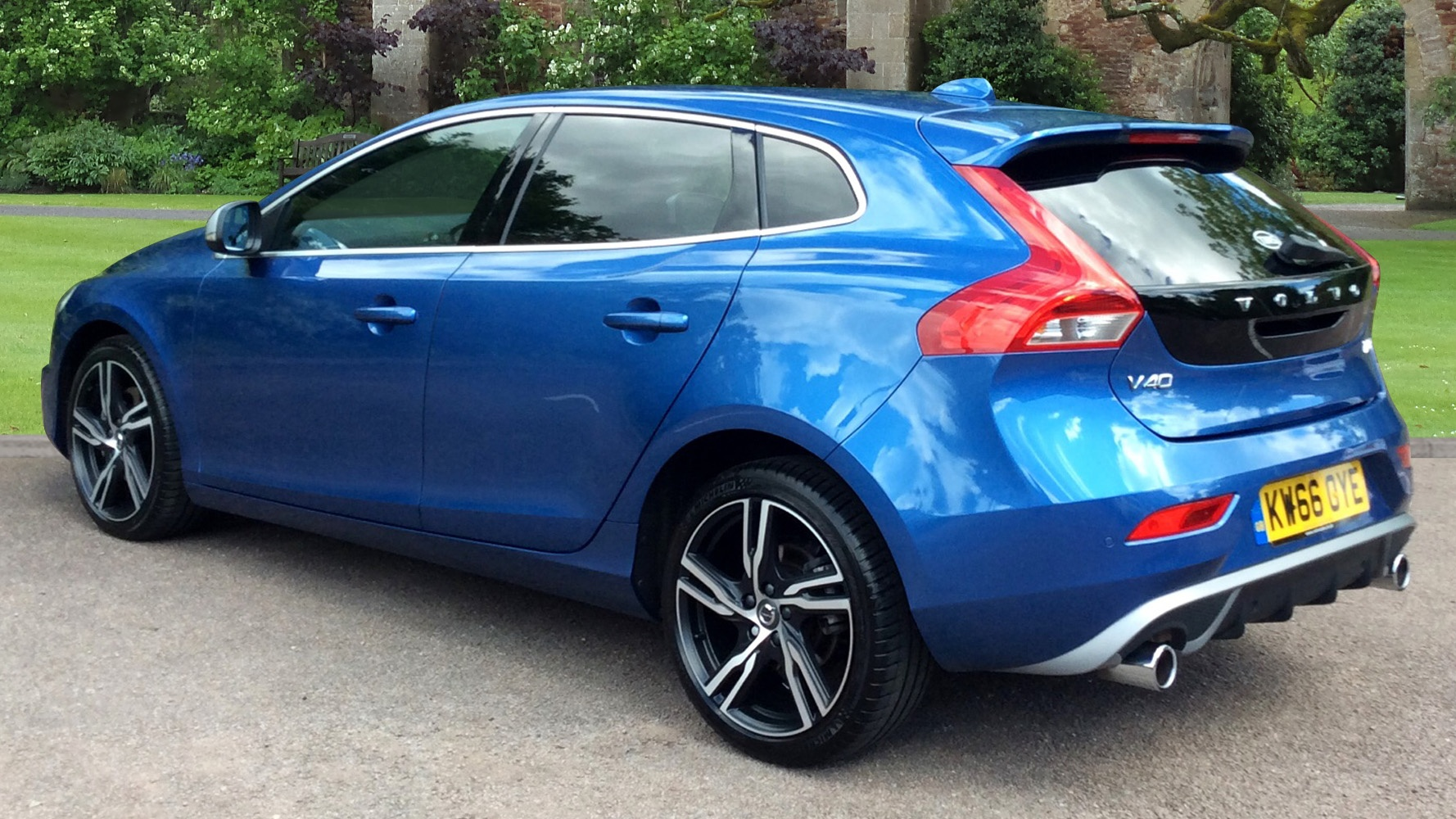 volvo v40 t5 245bhp 35k new big spec r design pro automatic used vehicle by tms coventry. Black Bedroom Furniture Sets. Home Design Ideas